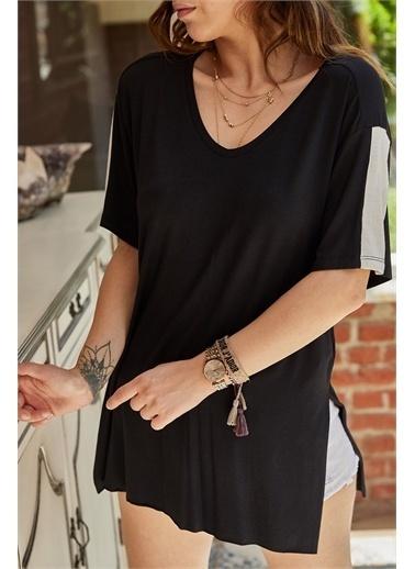 XHAN Yırtmaç Detaylı T-Shirt 9Yxk2-41434-02 Siyah